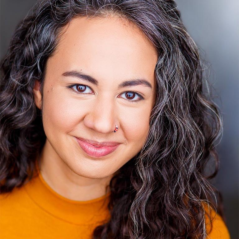 Tina Muñoz Pandya